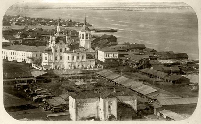 Панорама Тобольска. Вид на торговые ряды. 1873 год© visualhistory.livejournal.com2