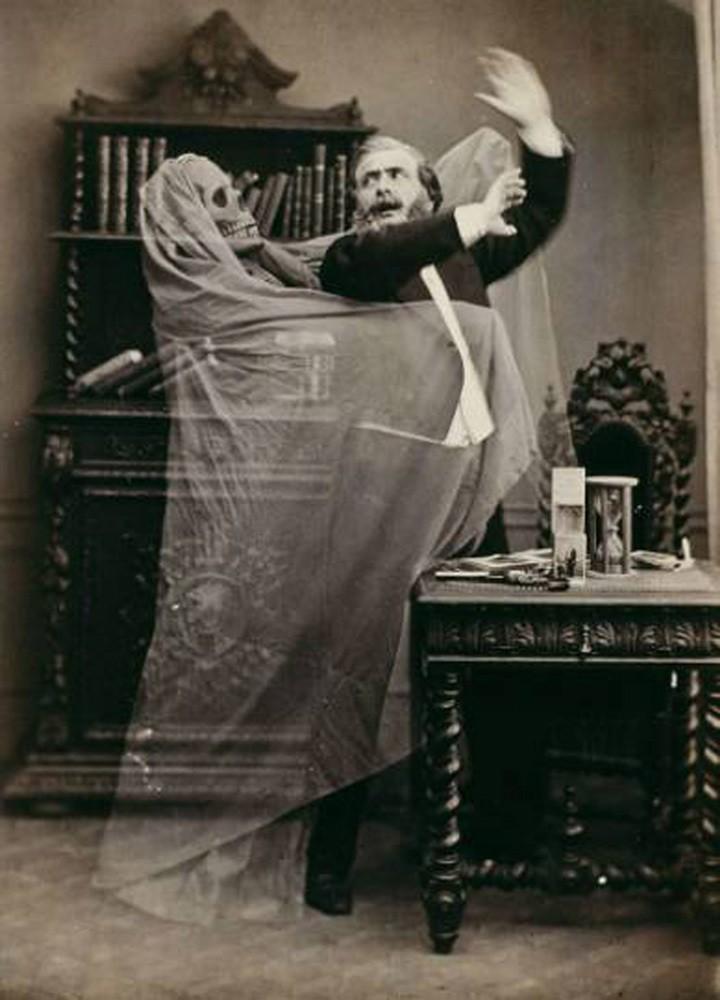 Дух на представлении иллюзиониста. 1863 годArt.com