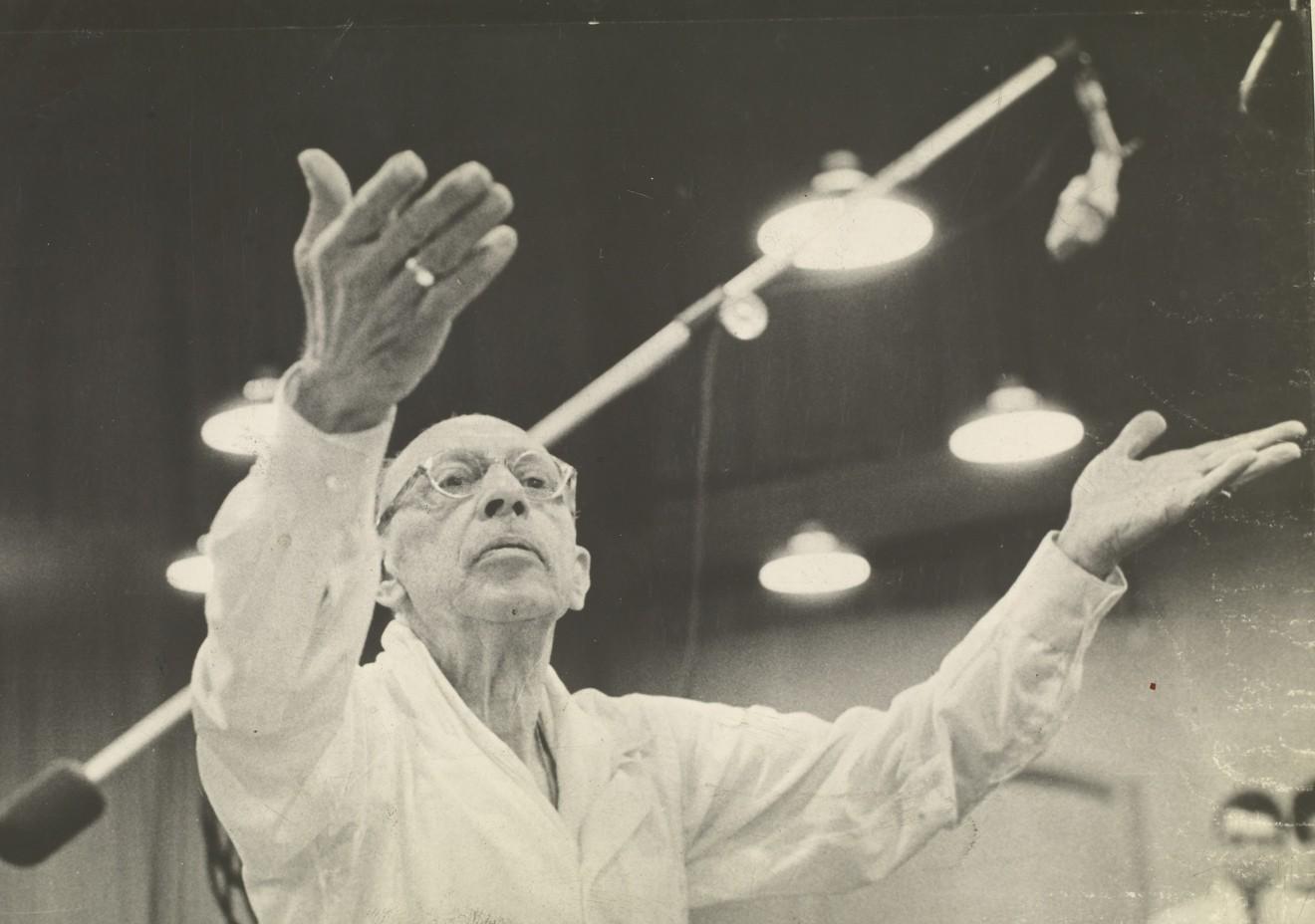 Игорь Стравинский дирижирует. 1962 год / © Arquivo Nacional (Brazil)