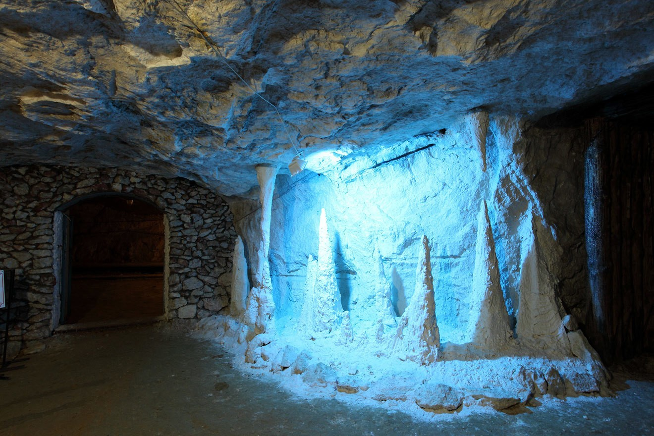 Пешеланская гипсовая шахта