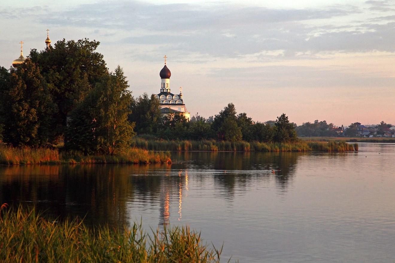 Озеро Тосканка иОстровоезерский монастырь