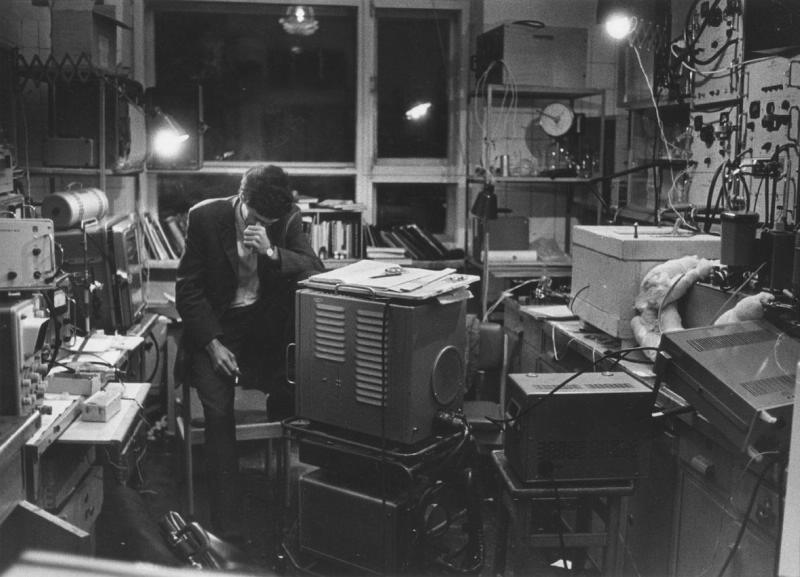 В лаборатории. Фотография Всеволода Тарасевича. 1970 год© Мультимедиа-арт-музей
